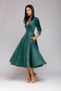 Изумрудное платье миди с глубоким декольте и рукавами 3/4 купить в интернет-магазине