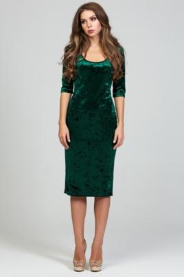 Бархатное платье-футляр изумрудного цвета с глубоким вырезом купить в интернет-магазине