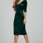 Бархатное платье-футляр изумрудного цвета с глубоким вырезом ds00313gr-3