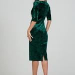 Бархатное платье-футляр изумрудного цвета с глубоким вырезом ds00313gr-4