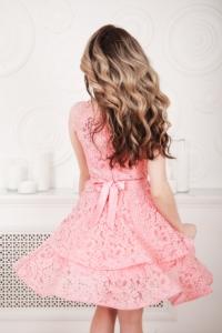 Купить Розовое кружевное платье мини без рукавов с пышной юбкой в магазине женской одежды в Воронеже