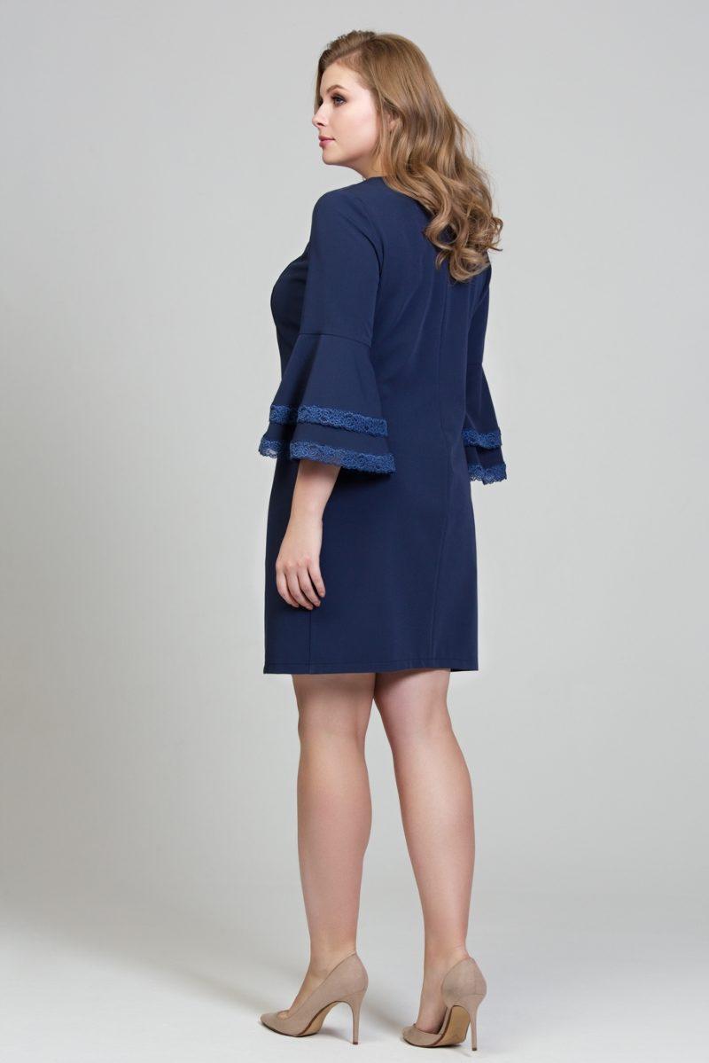 Купить Темно-синее платье мини с воланами и кружевом на рукавах большого размера в магазине женской одежды в Воронеже