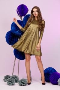 Золотое платье свободного кроя с рукавами 3/4 купить в Воронеже