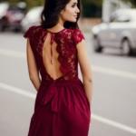 Длинное платье вишневого цвета с шифоновой юбкой и вырезом на спине zd00296ch-1