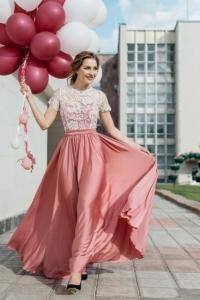 Длинное розовое платье с пышной юбкой и кружевным верхом с короткими рукавами купить в интернет-магазине