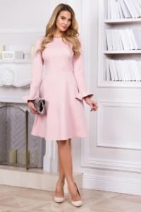 Нежно-розовое платье с расклешенной юбкой и длинными рукавами купить в интернет-магазинее