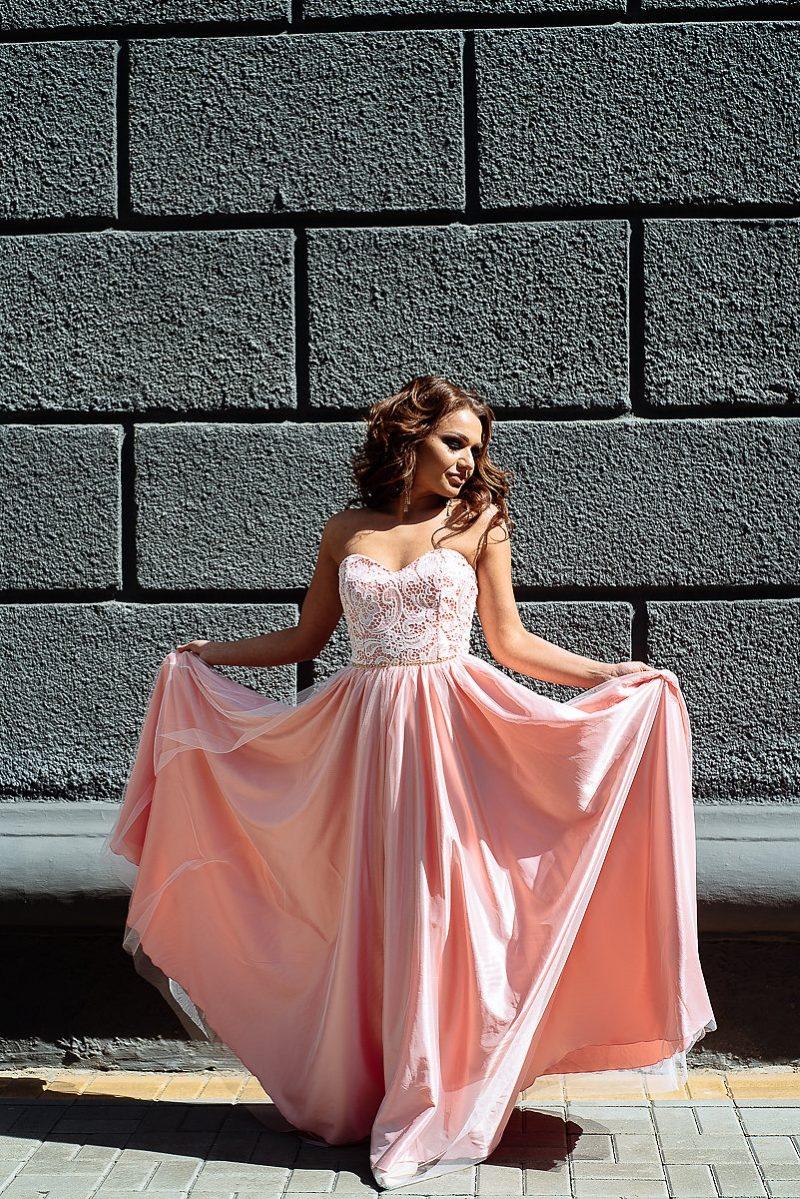 3e6eeefe6a7 Вечернее платье-корсет цвета пудры с кружевным верхом и фатиновой юбкой  купить в Воронеже