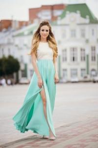 Вечернее платье с мятной юбкой и золотым верхом с вырезом на спине купить в Воронеже