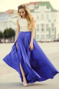 Вечернее платье с синей юбкой и золотым верхом с вырезом на спине купить в Воронеже