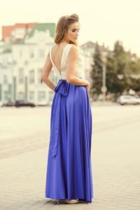 Заказать Вечернее платье с синей юбкой и золотым верхом с вырезом на спине с бесплатной доставкой по России