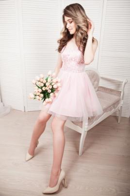 4ecd270167ab880 Короткое платье-корсет розового цвета с кружевным верхом и пышной юбкой