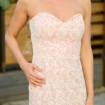 Пудровое платье-футляр с корсетным верхом и молочным кружевом zd00336pw-2