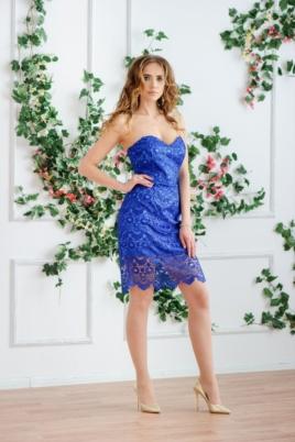Синее платье-футляр с корсетным верхом и кружевом купить в Воронеже