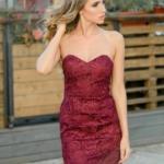 Вишневое платье-футляр с корсетным верхом и кружевом zd00336ch-1