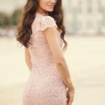 Вечернее гипюровое платье «рыбка» пудрового цвета zd00311pw-3