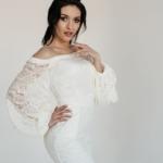 Белое гипюровое платье с открытыми плечами и пышными рукавами zd00363wh-2