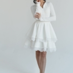 Белое платье мини с 2-ярусной юбкой и длинными рукавами zd02051wh-1