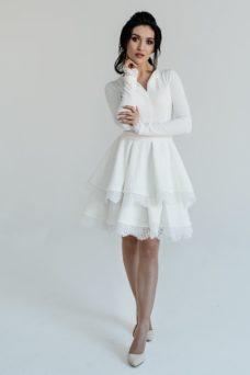 904bac643b2 ... Белое платье мини с 2-ярусной юбкой и длинными рукавами купить в  Воронеже