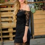 Черное гипюровое платье длины миди с открытыми плечами zd01995bk-2