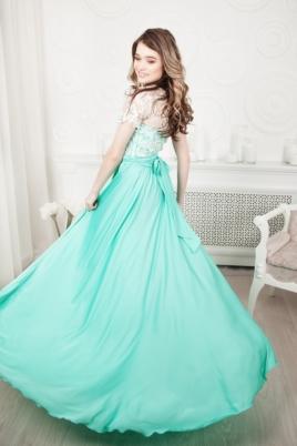 Длинное мятное платье с пышной юбкой и кружевным верхом с короткими рукавами купить в интернет-магазине