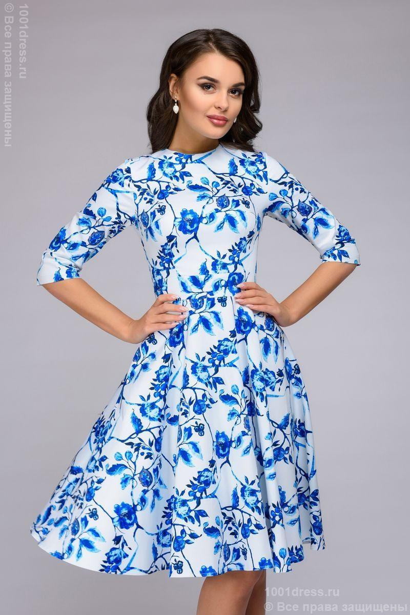 ad2e9663403 Короткое белое платье с голубым цветочным принтом и рукавами 3 4 купить в  Воронеже