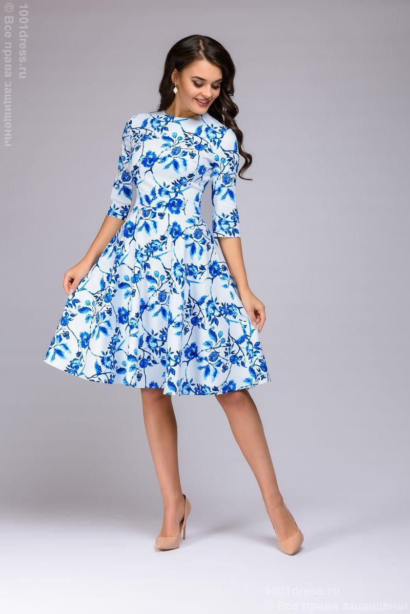 Короткое белое платье с голубым цветочным принтом и рукавами 3/4 купить в интернет-магазине