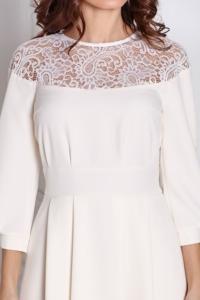 Купить Короткое платье цвета айвори с кружевной вставкой и расклешенной юбкой в магазине женской одежды в Воронеже