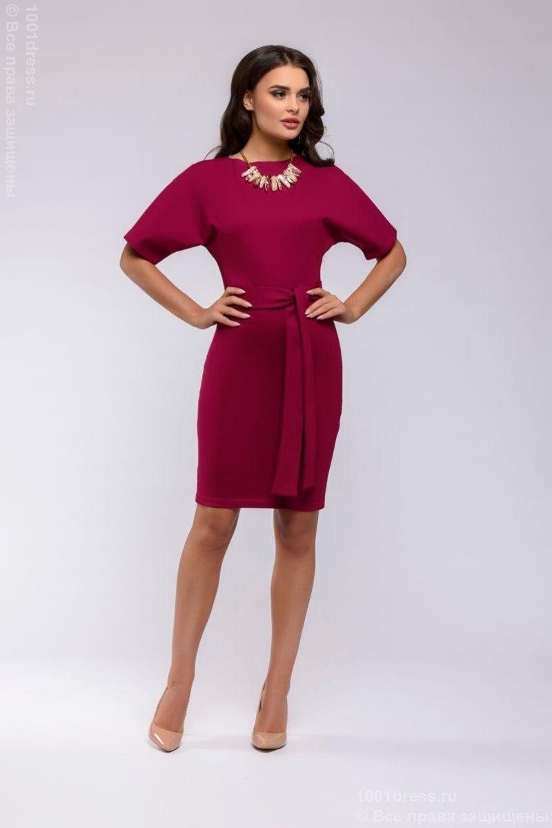 """Платье мини ягодного цвета с рукавом """"летучая мышь"""" купить в интернет-магазине"""