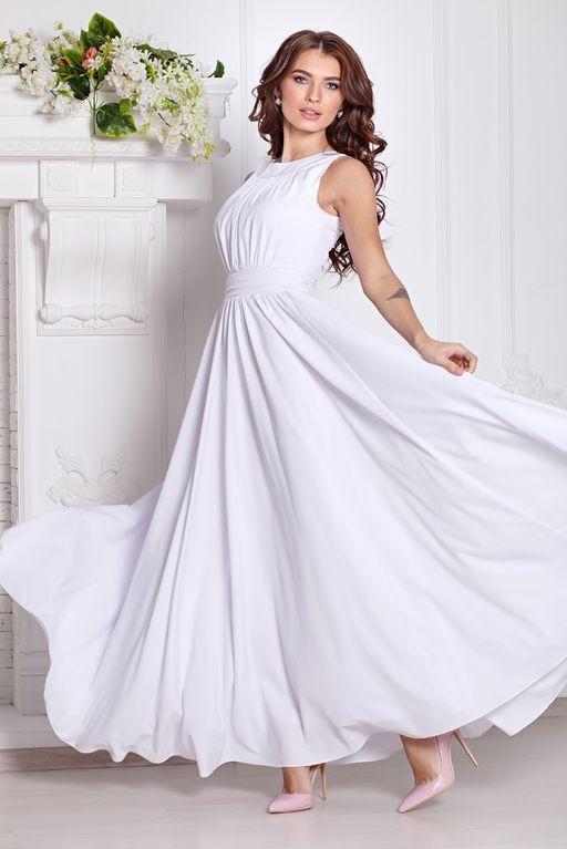 Вечернее платье в пол белого цвета с пышной юбкой без рукавов купить в Воронеже