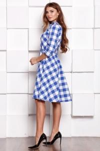 Заказать Платье миди белого цвета в синюю клетку с пышной юбкой и рукавами 3/4 с бесплатной доставкой по России