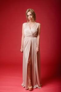 Бежевое платье в пол в греческом стиле из шелка купить в интернет-магазине