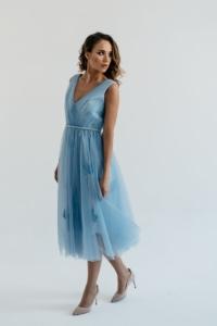 """Купить Коктейльное платье голубого цвета длины миди с декором """"бабочки"""" с бесплатной доставкой"""