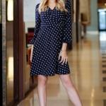 Короткое платье с запахом темно-синего цвета в горошек sz00168db-2