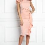 Платье-футляр персикового цвета длины миди с драпировкой и воланами sz00037ph-2
