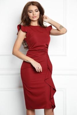 Платье-футляр цвета марсала длины миди с драпировкой и воланами заказать с примеркой