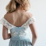 Вечернее платье голубого цвета с корсетом и разрезом на юбке zd00404lb-4