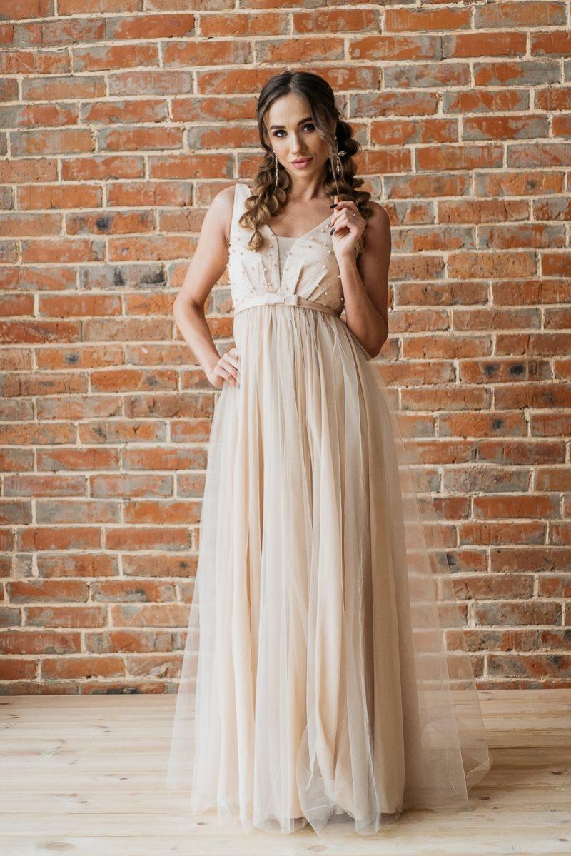 Бежевое вечернее платье с пышной юбкой и отделкой бусинами купить в интернет-магазине