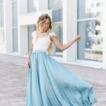 Комплект: белый гипюровый топ и голубая шелковая юбка в пол zd00040lb-1