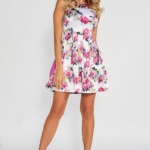 Короткое белое платье с цветочным принтом и вырезом на спине vv52019wh-2