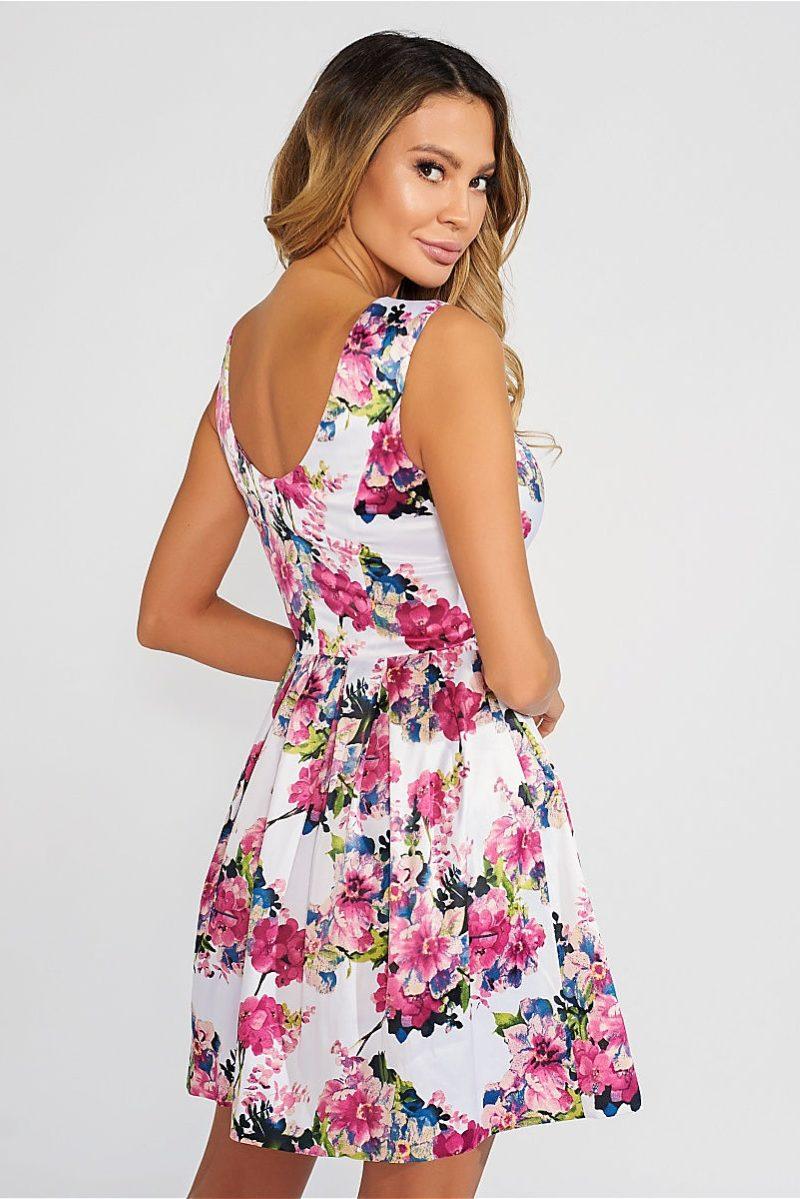Купить Короткое белое платье с цветочным принтом и вырезом на спине с бесплатной доставкой