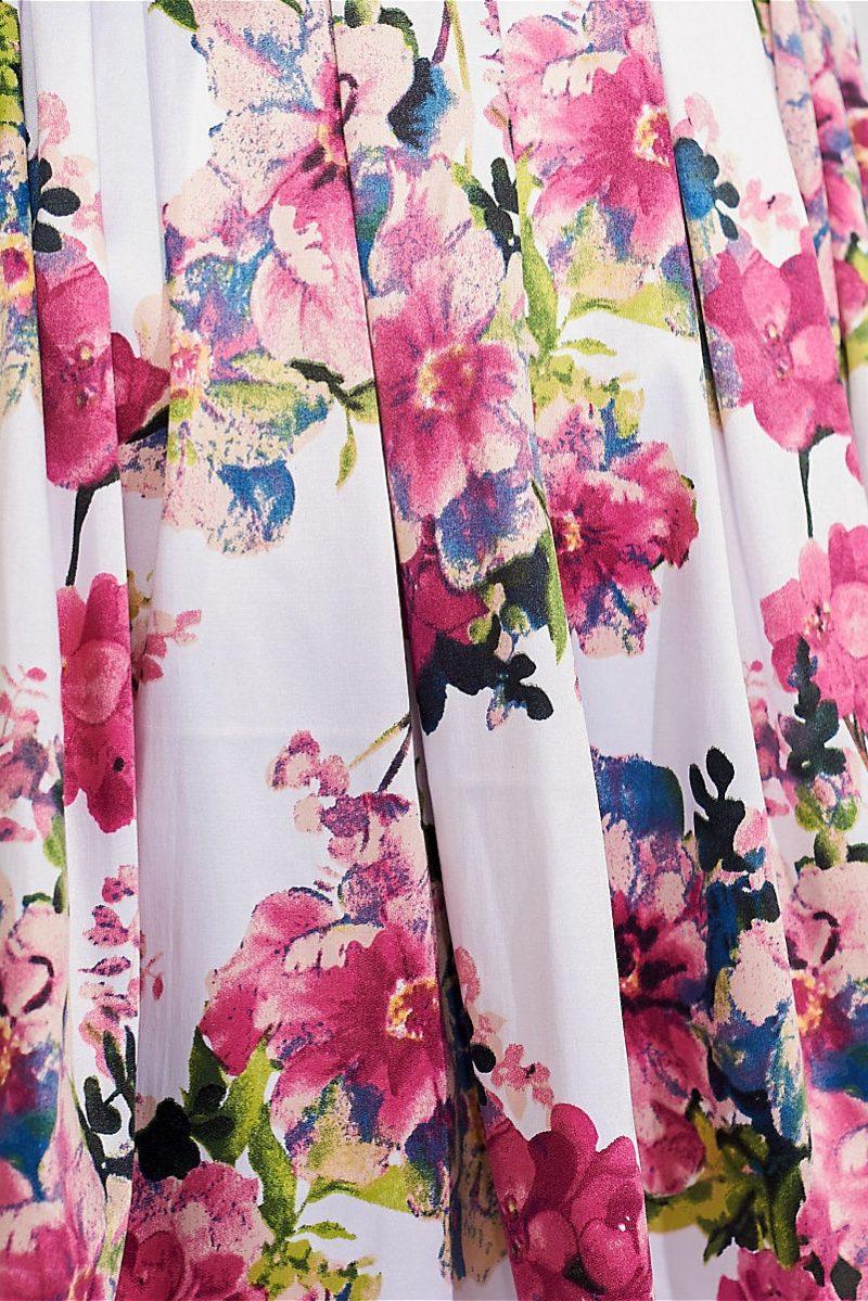 Заказать Короткое белое платье с цветочным принтом и вырезом на спине в интернет-магазине