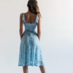 Кружевное платье миди голубого цвета на бретелях zd00083lb-3