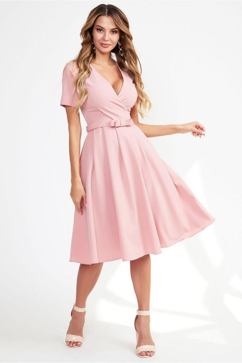 Нежно-розовое платье миди с декольте и пышной юбкой купить в интернет-магазине
