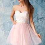 Платье мини с корсетным верхом из кружева с пышной юбкой пудрового цвета zd00381pw-1