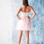 Платье мини с корсетным верхом из кружева с пышной юбкой пудрового цвета zd00381pw-3