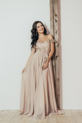 Вечернее платье-корсет бежевого цвета с кружевом и шифоновой юбкой купить в интернет-магазине