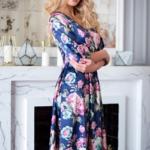 Синее платье из атласа длины миди с цветочным принтом sz00156bl-3