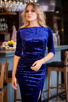 Вечернее платье из бархата синего цвета с драпировкой и разрезом купить с примеркой