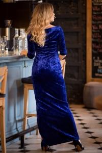 ЗаказатьВечернее платье из бархата синего цвета с драпировкой и разрезом с бесплатной доставкой