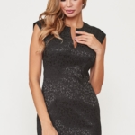 Черное платье-футляр из жаккарда с вырезом на груди vv51664bk-1